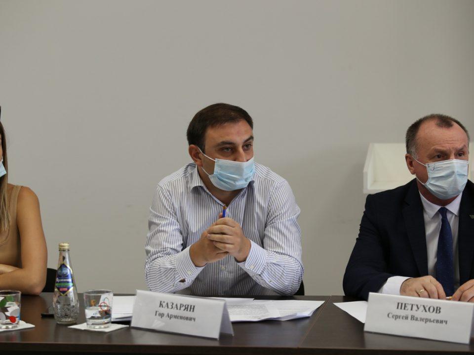 Общественная палата Краснодарского края провела рабочую встречу по теме о задержании автомобилей с рег.номерами Армении